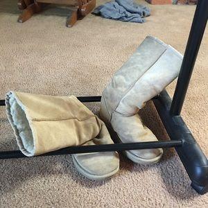 EMU fur lined Boots